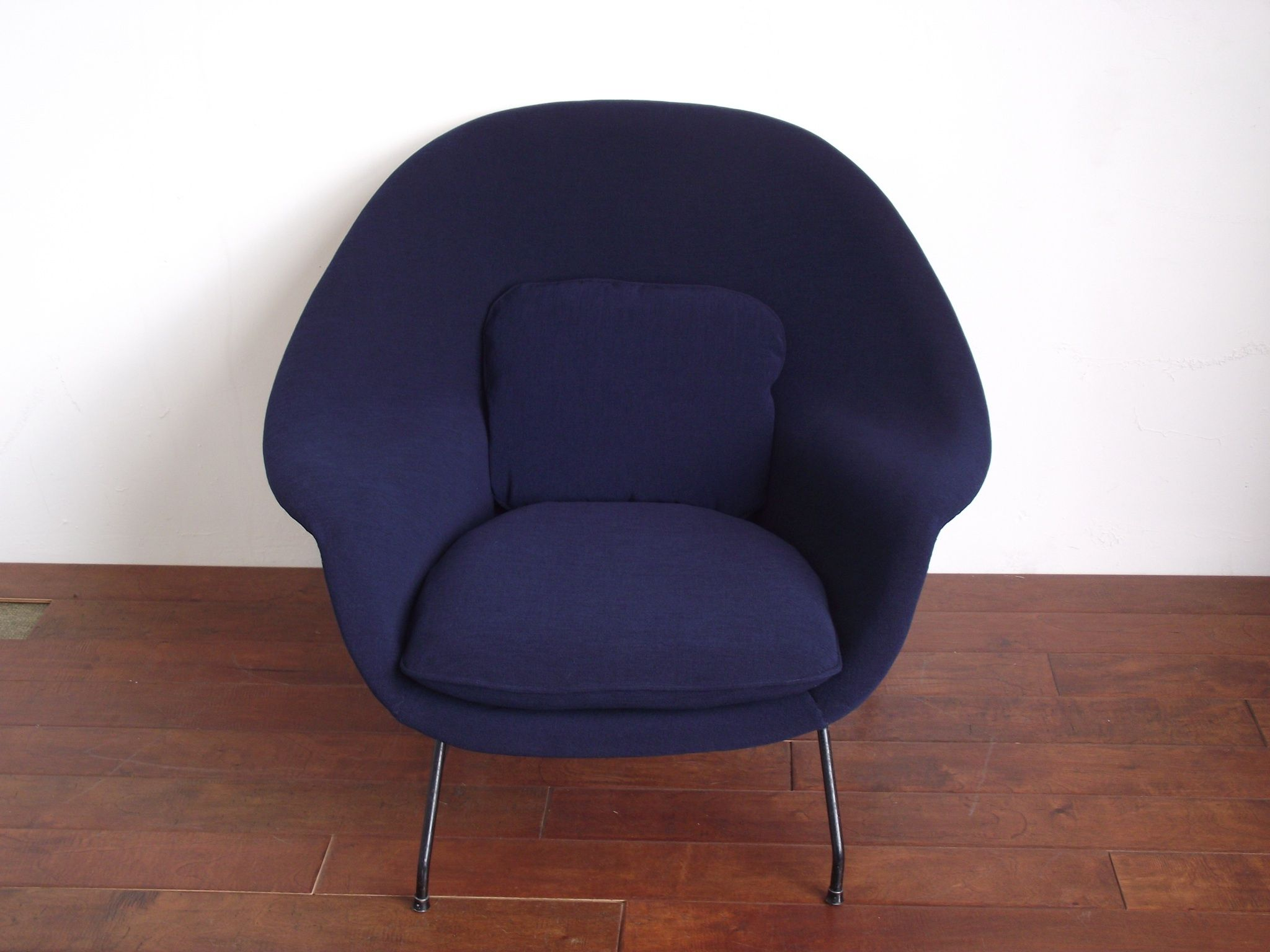 Womb chair in navy knoll fabric FPD Our Upholstery
