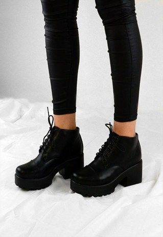 ea1ce6aeba0 BELLA RETRO LACE UP CHUNKY GRIP HEEL ANKLE BOOTS SHOES | Ropa in ...