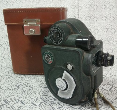 Vintage-Revere-Model-88-8mm-motion-picture-camera-w-case
