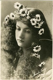 The old man found Maude Fealy, a foxy early silent film actress, on Wikipedia, and thought I needed to share in her awesomeness.
