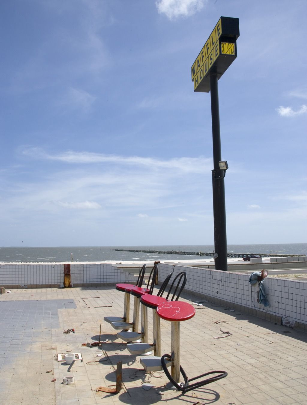Waffle House Destroyed By Hurricane Katrina In Biloxi Ms Hurricane Katrina Waffle House Biloxi