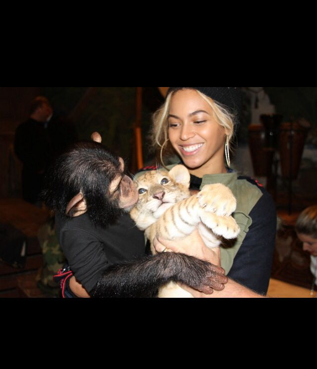 Bey with a monkey and tiger