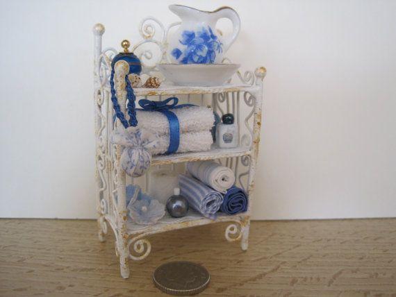 12th Scale Dollhouse Miniature Shabby Chic Bathroom