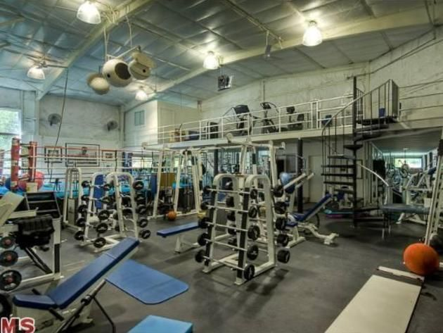 inside #markwahlberg's two-story home gym>> http://www.frontdoor
