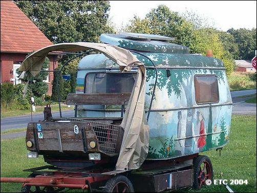 eriba touring club eriba touring wohnwagen. Black Bedroom Furniture Sets. Home Design Ideas