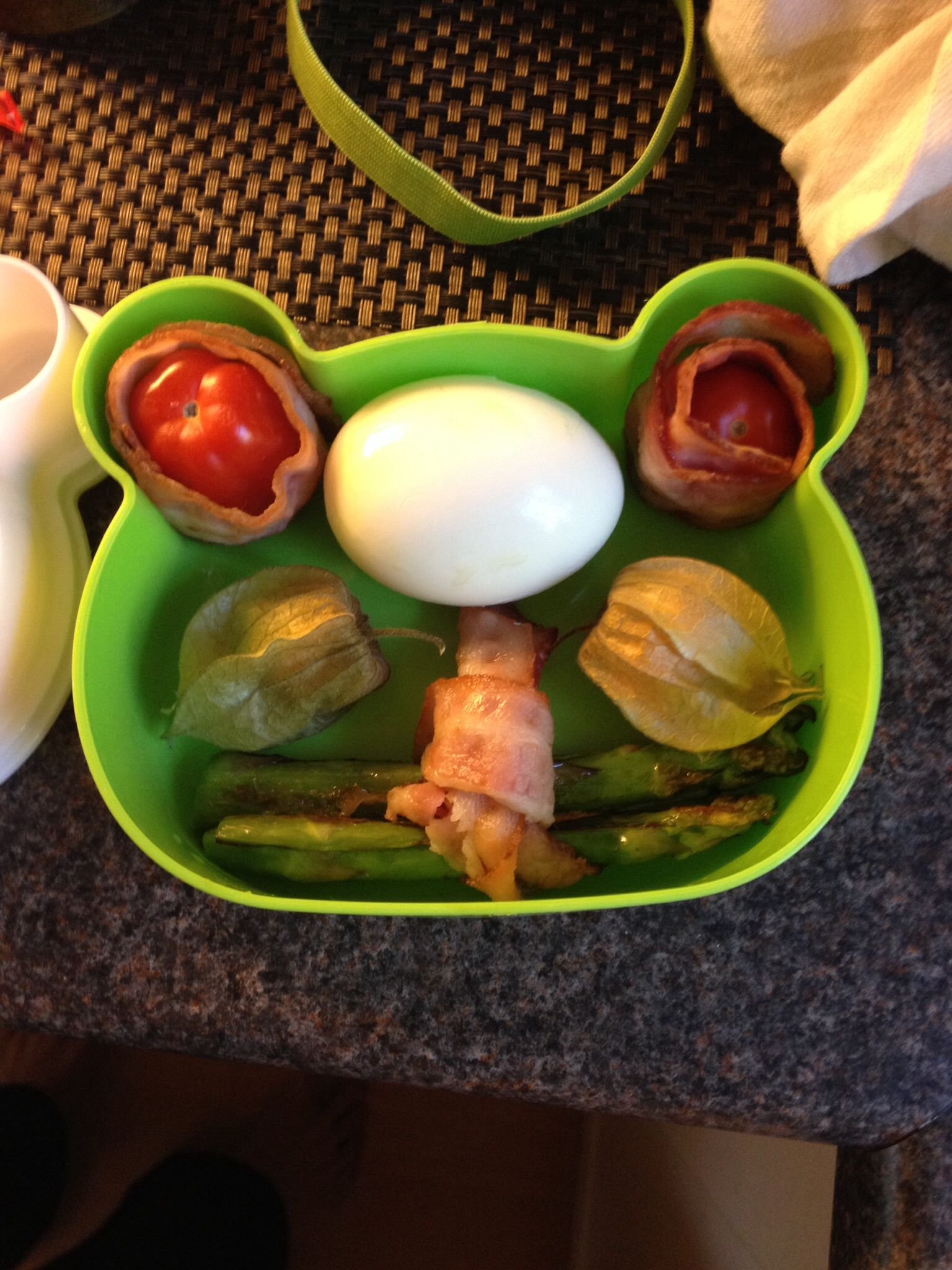 I made my cind of bento lunch today