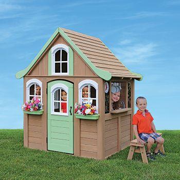 Cedar Summit, Casa de juegos para niños con accesorios - No. de item ...