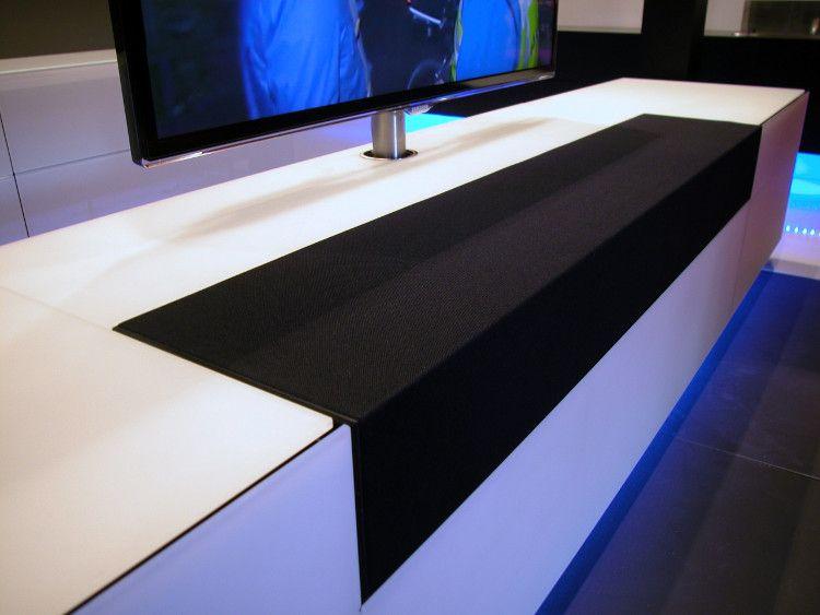audio doek op tv meubel om centre speaker te verbergen