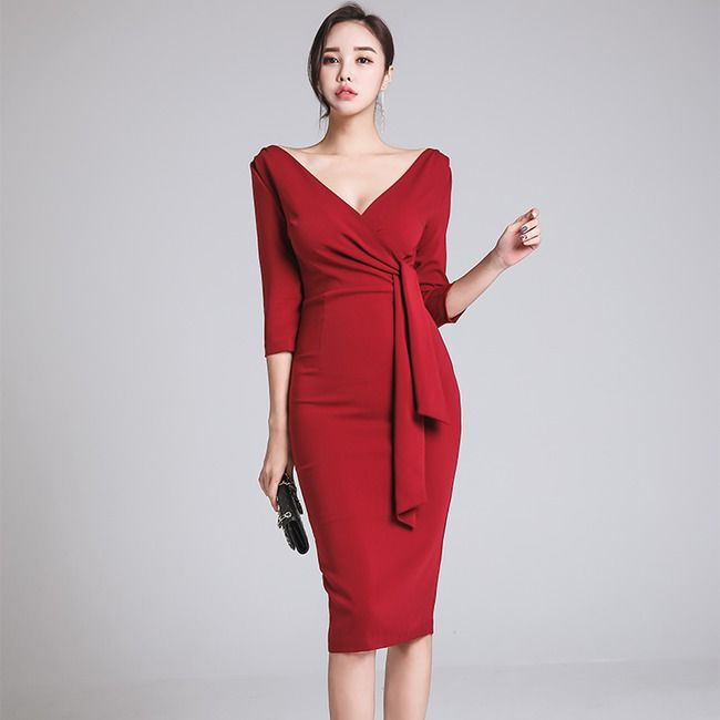 Wholesale Fashion Solid Fitted Ribbons V Neck Red Dress