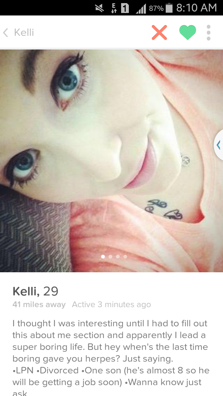 18 Girls On Tinder That Make You Say Wtf Wtf Gallery Tinder Humor Tinder Girls Tinder Profile