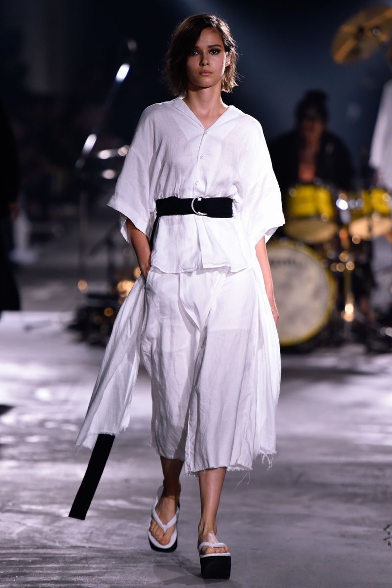 Nehanne Mihara Yasuhiro | Ready-to-Wear Spring 2017 | Look 18