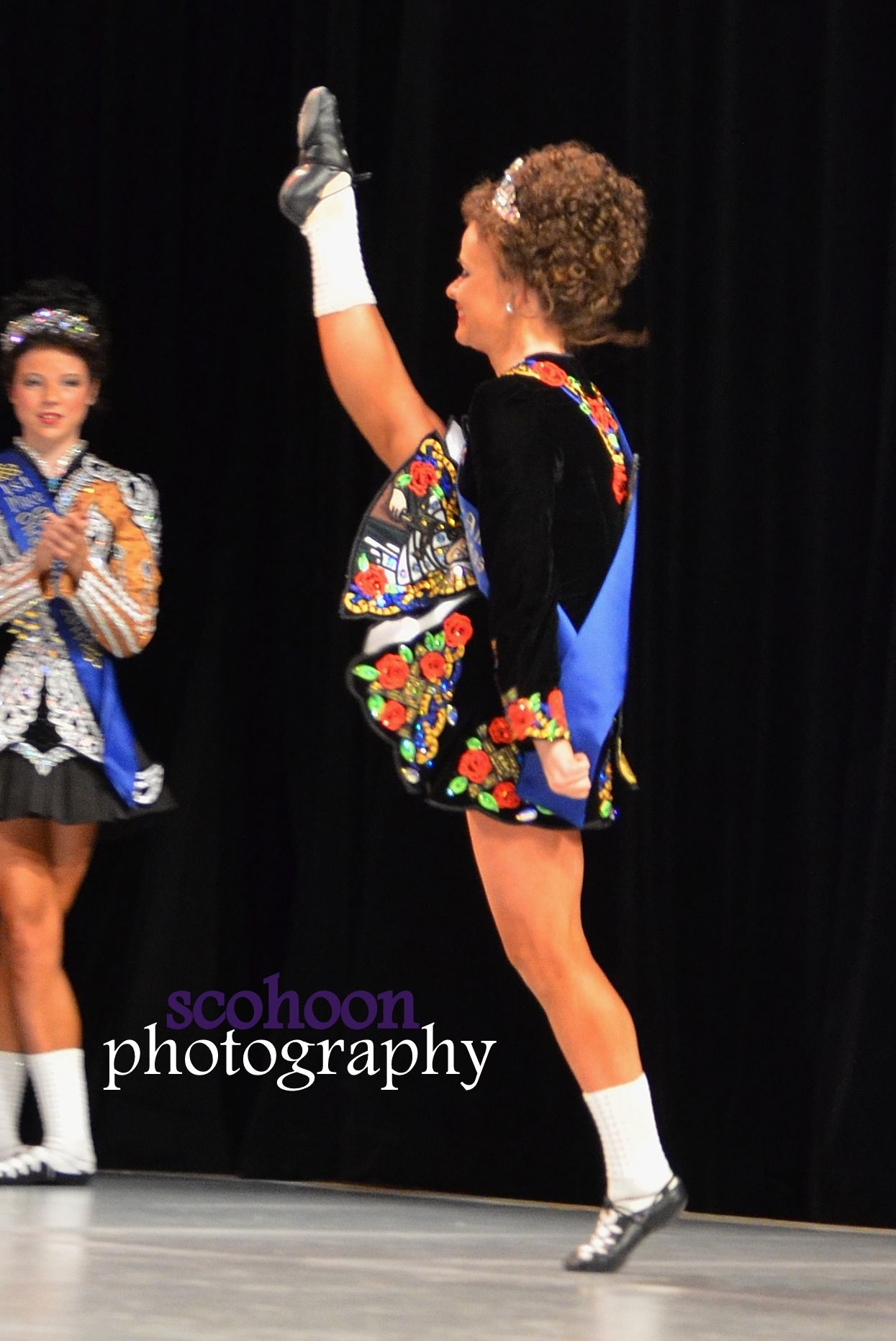 Senior Ladies champion, Ali Doughty of The Academy, performing in the Parade of Champions at the Mid America Oireachtas.  Photo by Shannon Cohoon