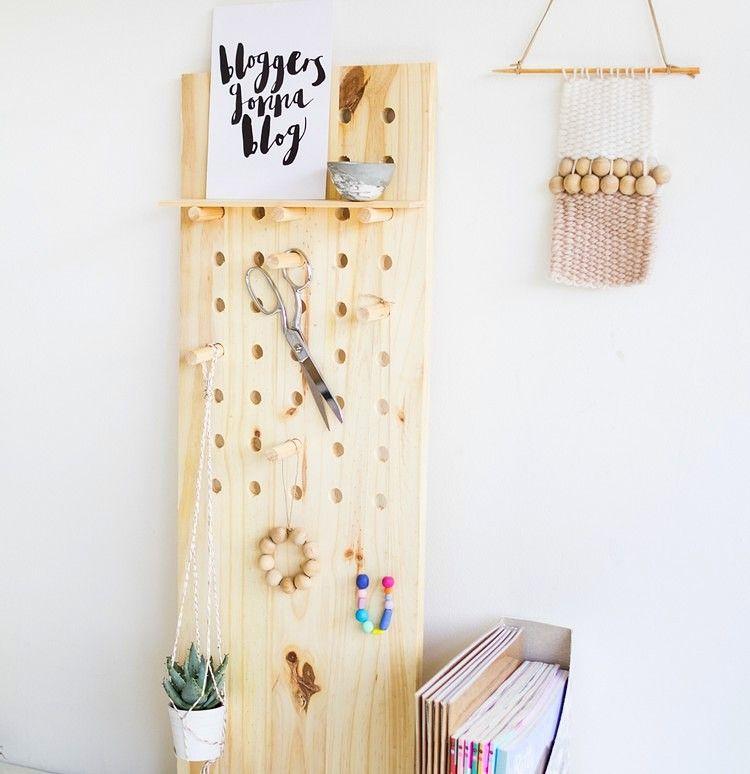 lochplatten aus holz und kunststoff schaffen mehr ordnung zu hause wollen sie in einer immer. Black Bedroom Furniture Sets. Home Design Ideas