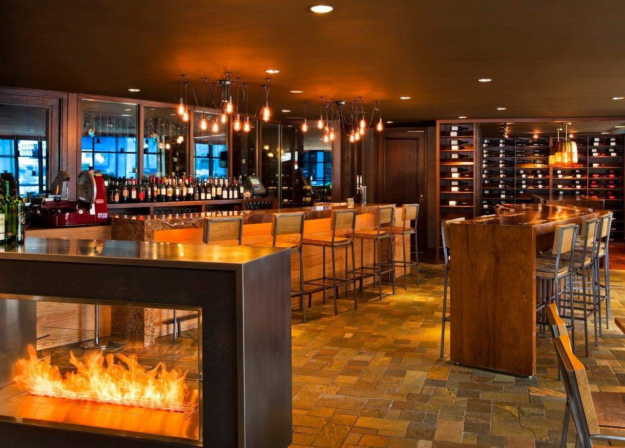 The Best Wine Bars in Chicago | Chicago bars, Cozy ...