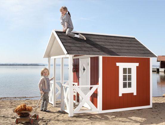 swedish cottage spielhaus schwedenhaus spielhaus am strand silas pinterest. Black Bedroom Furniture Sets. Home Design Ideas