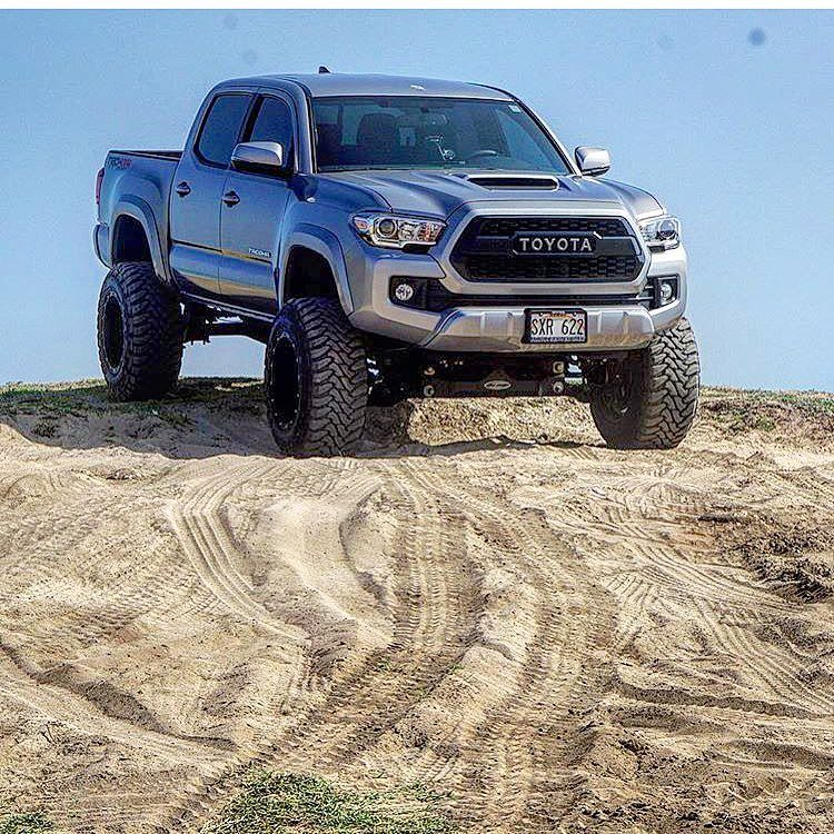 Toyota Tacoma Lifted >> Owner Ltd Skyy 808 16 Tacoma 6 Procomp Lift 18x12