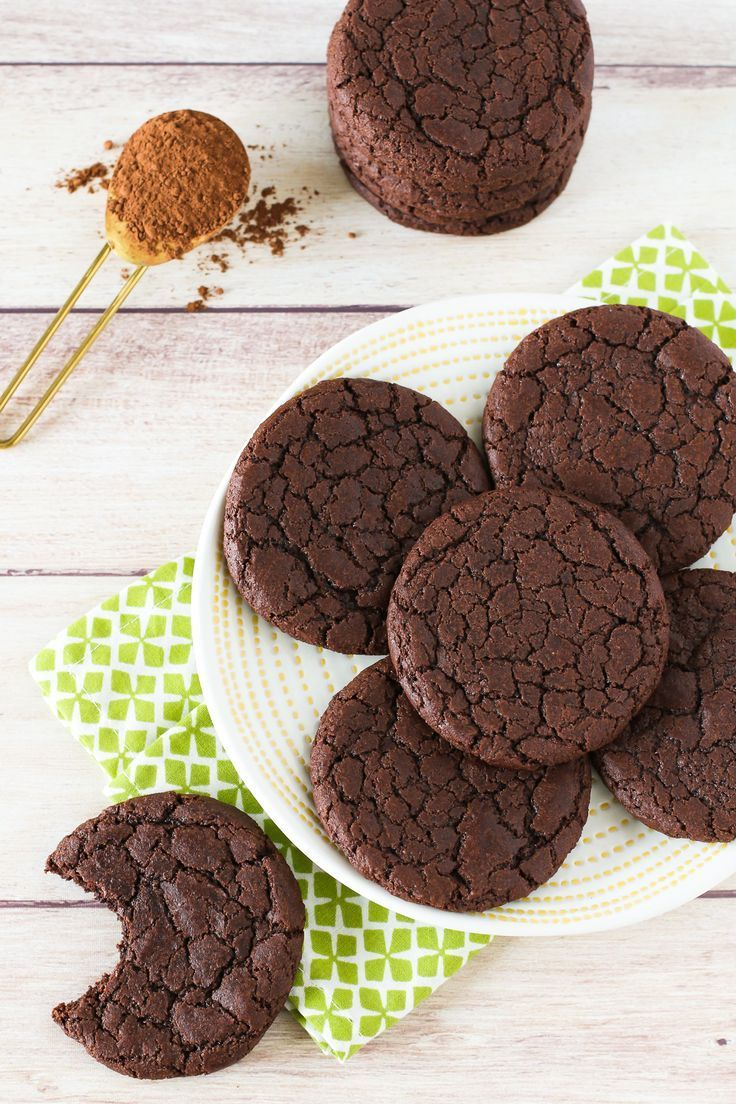 Gluten Free Vegan Brownie Cookies. Chewy, chocolate cookies that taste like a fu…