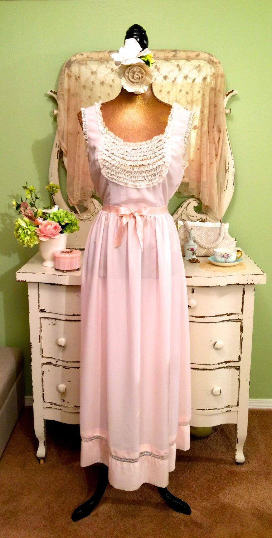 8bf9cb8a8ac 50s Vintage Long Pink Cotton Nightgown w White Ruffles XS-S Romantic ...