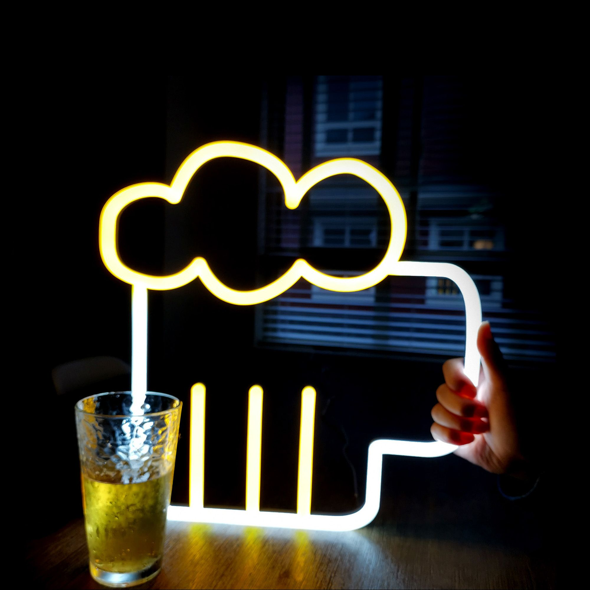 The beer neon sign is a great wall sign decor to invite people to have a break. Pubs, bars, and nightclubs can use the LED beer sign to attract customers and relax with a mug of beer.