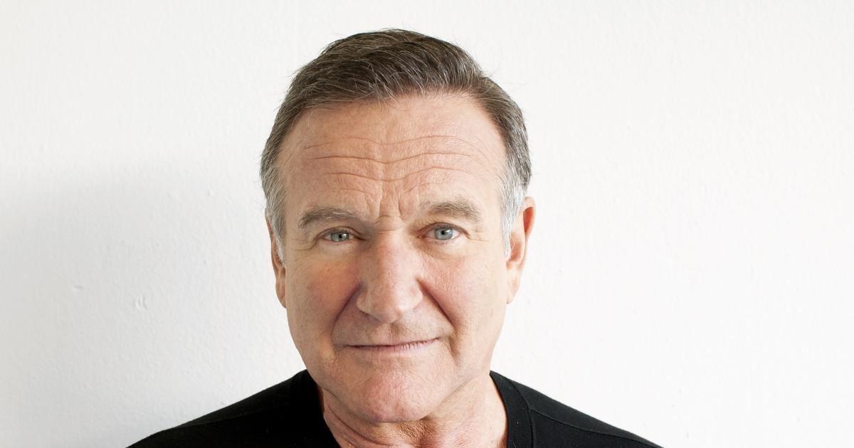 A Merry Friggin' Christmas' cast remember Robin Williams | Robins ...