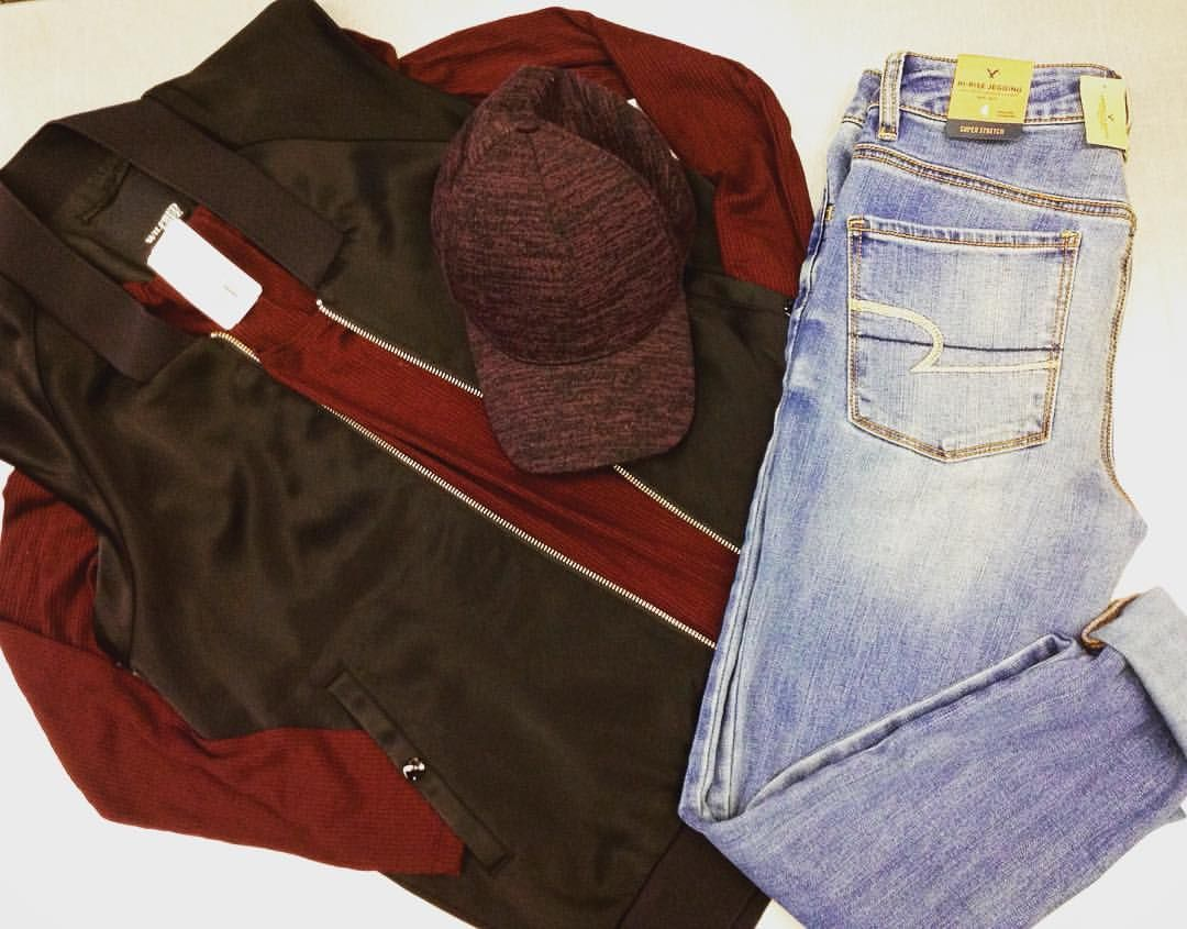Sneak peek alert❗️Find your favourite brands at our Boxing Day Event happening December 26th 10am-6pm! We have brands like this #forever21 bodysuit (BNWT), #wilfred satin vest and baseball cap and #americaneagle skinny jeans (BNWT)! {no holds will be taken on items featured} #iloveplatoskw #platosclosetkitchener #boxingday #kitchenerwaterloo #upcycle | www.platosclosetkitchener.com
