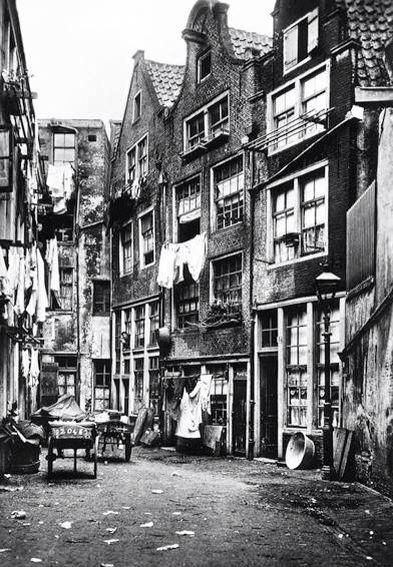 Niet De Halvemaansteeg 1930 Maar De Zwarte Bijl Steeg In Amsterdam