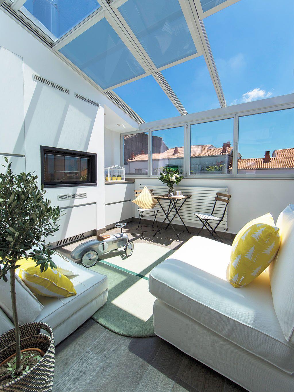 Une Terrasse Couverte Pour Agrandir L Espace En Espagne Em 2020 Ideias Terraco Arquitetura Residencial Decoracao De Casa