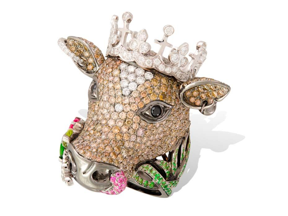 Lydia Courteille Cow ring in gold from the Animal Farm collection, set with diamonds, tsavorites and sapphires.