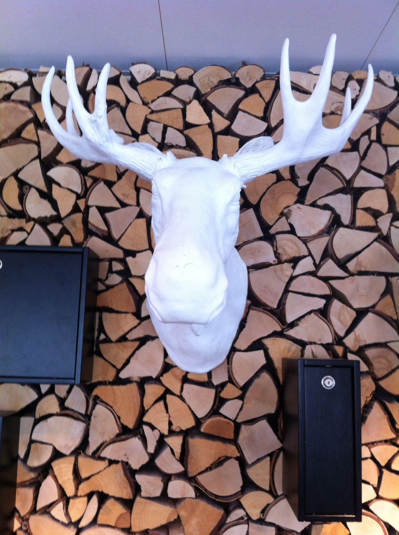 Tämä löytyi viime kesänä Ulvösta hienon ravintolan seinältä. Upea!