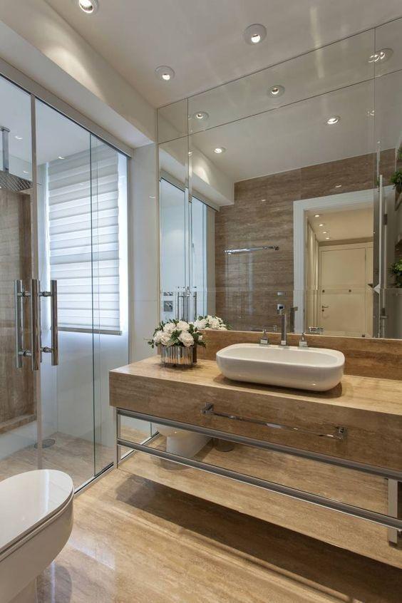 Badvorhang Tipps und wie man die Wahl für das Fenster