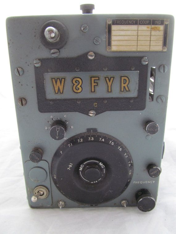 Aircraft radio transmitter W8FYR Navy ? 1930 ? WWII ?  RCA & Glass Vacuum Tubes bulbs Ham Please see pictures for description Ask questions if you have them  We have a lot more pictures that I can send  12 L x 7 H x 5 W Will be packed Secure  Weight is over 8.5lb  HEAVY Shipping weight is 10 pounds
