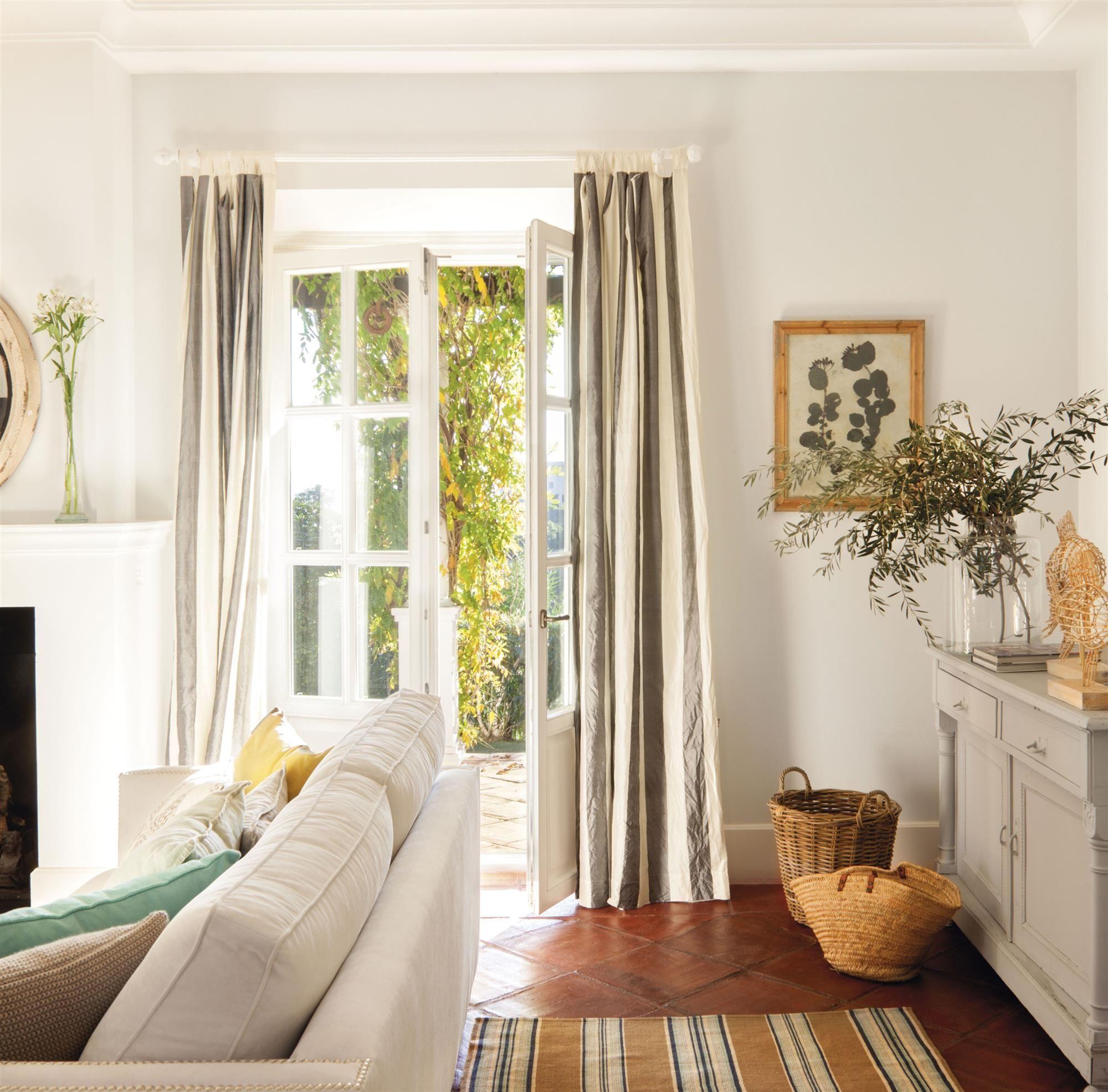 Escoger cortinas interiores detalles decoraci n for Cortinas salon originales