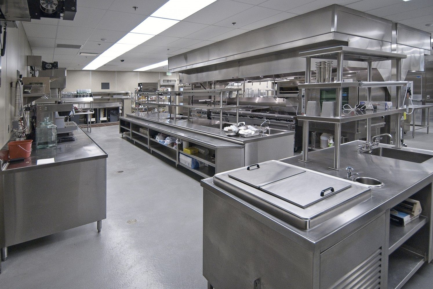 Commercial kitchen design google search commercial for Search kitchen designs
