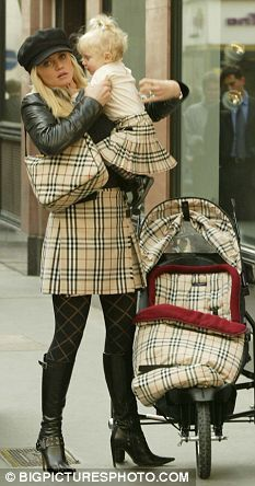 Mom & baby in Burberry  | The House of Beccaria# plaid overload :/