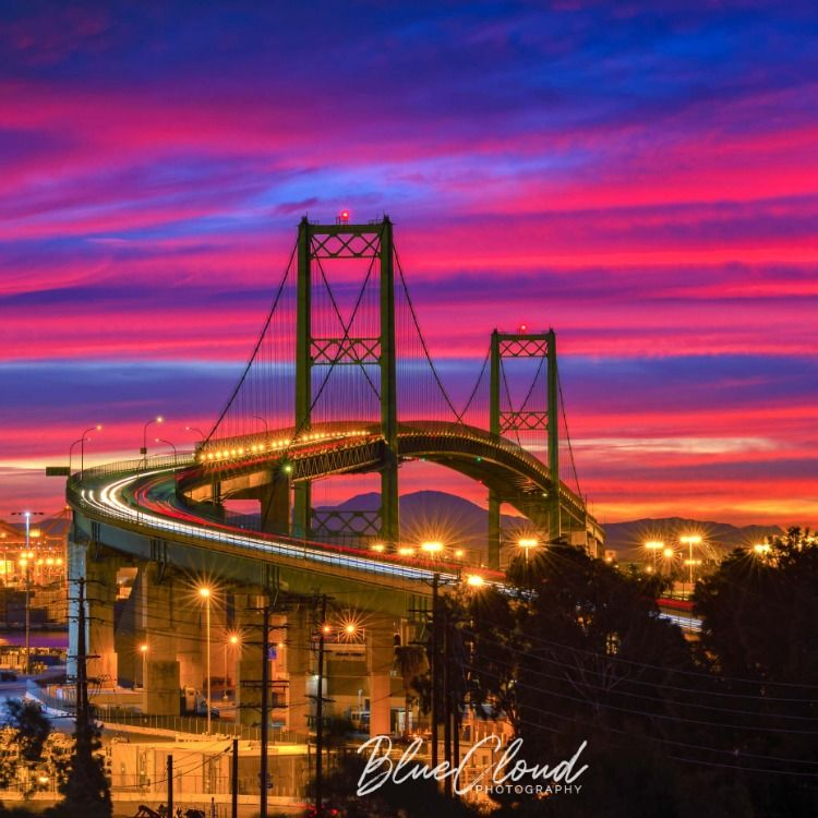 Stunning photographs of Vincent Thomas Bridge at Sunrise