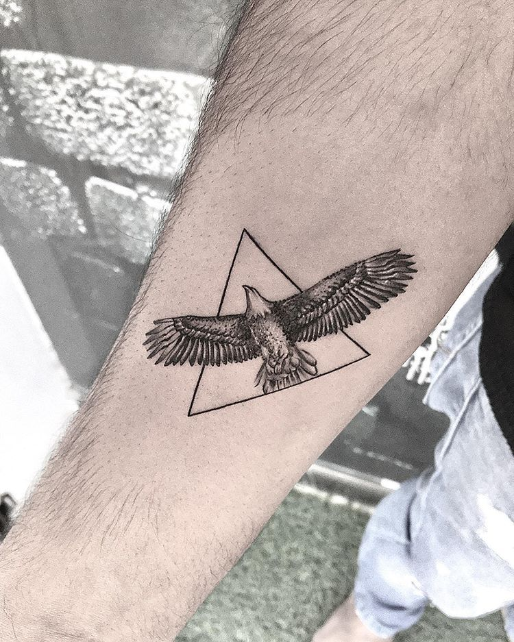 50 Perfectly Place Eagle Tattoos Designs With Their Meaning