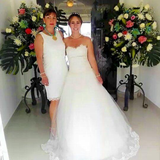 """💖💖""""Muchas maravillas hay en el mundo..pero la obra maestra es el corazón de una mujer💞.. . Diseñamos los más hermosos vestidos de Novia y Damas de Honor a medida.. ❤️ Contacto ..WSP 3196976327..📲💓 - - - - - - - .#TuVestidoNuevo#FashionBrideColombia#xhandyModasBodas . .#instagram#novias#amor 💓 #happy #smile #me #instagood #instadaily #fashion #beautiful #cute #love #hairstyle #wedding #weddingdress #party #forever #weddingday #dress #weddinggown #amore #bridesmaid #bridesmaids #bridesmaiddr"""