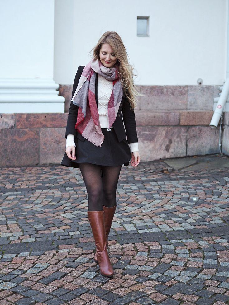 Schal und braune Stiefel - Fashionmylegs: Der Blog über