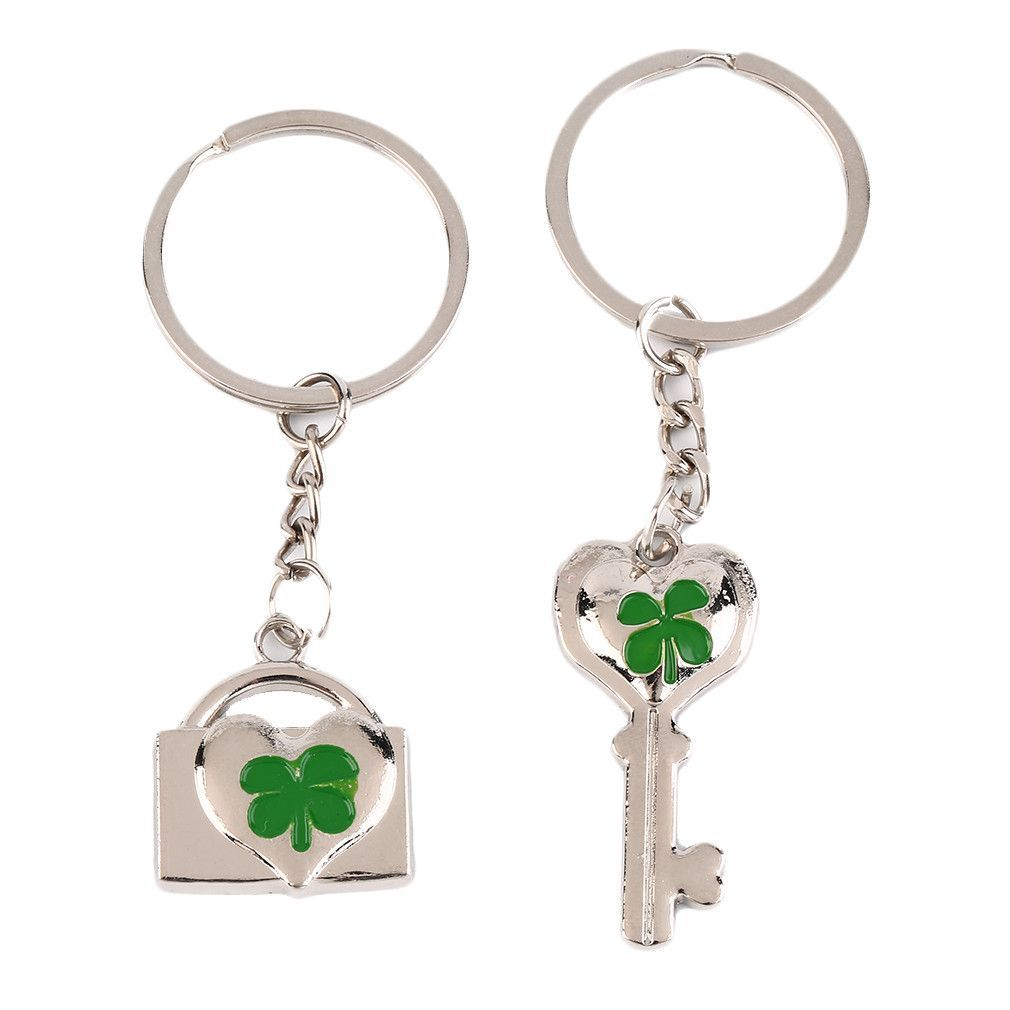 2 Pcs Lover Couples Four-Leaf Clovers Metal Keyring Bag Hanging Keychain Valentine's Day Gifts *$