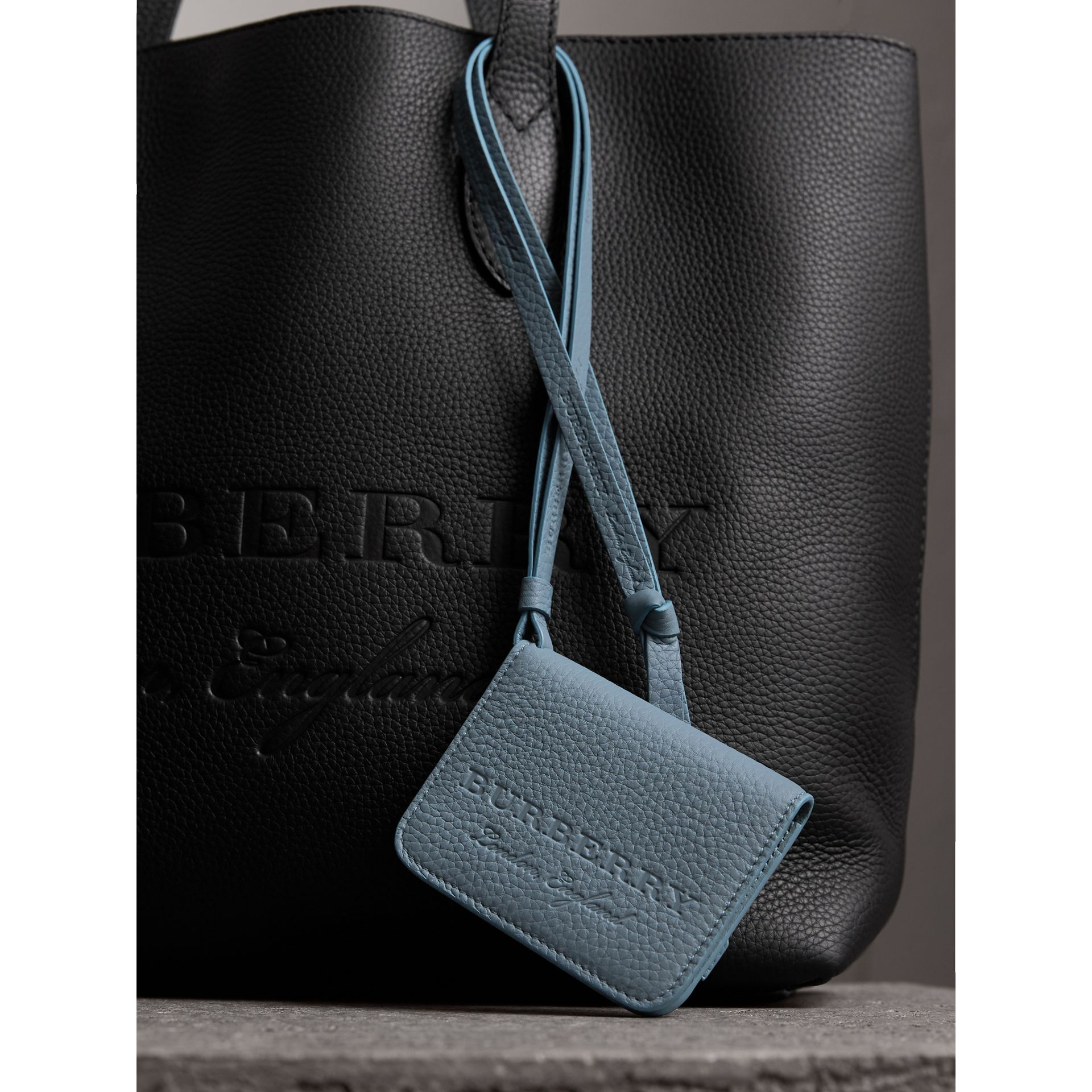 Burberry Embossed Leather Id Card Case Charm Card Case Emboss And