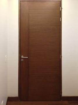 Puerta de madera color nogal ingles carpinteria for Colores para puertas de madera interiores