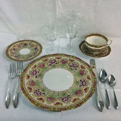 Dinner is ready! #royalalbert #crystal #courtpattern