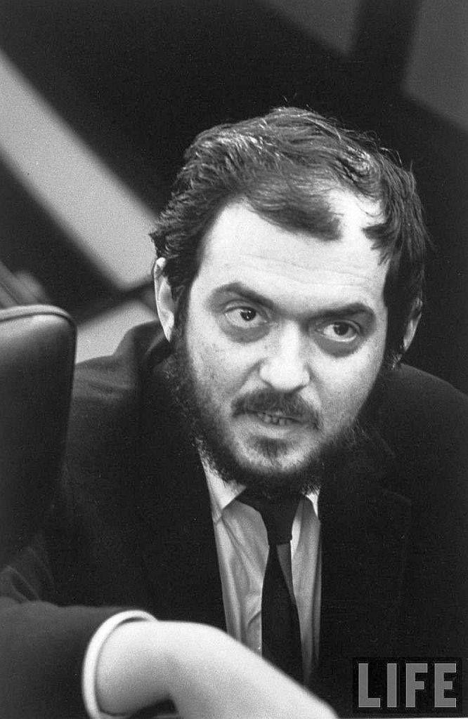 Stanley Kubrick 666×1024 пикс