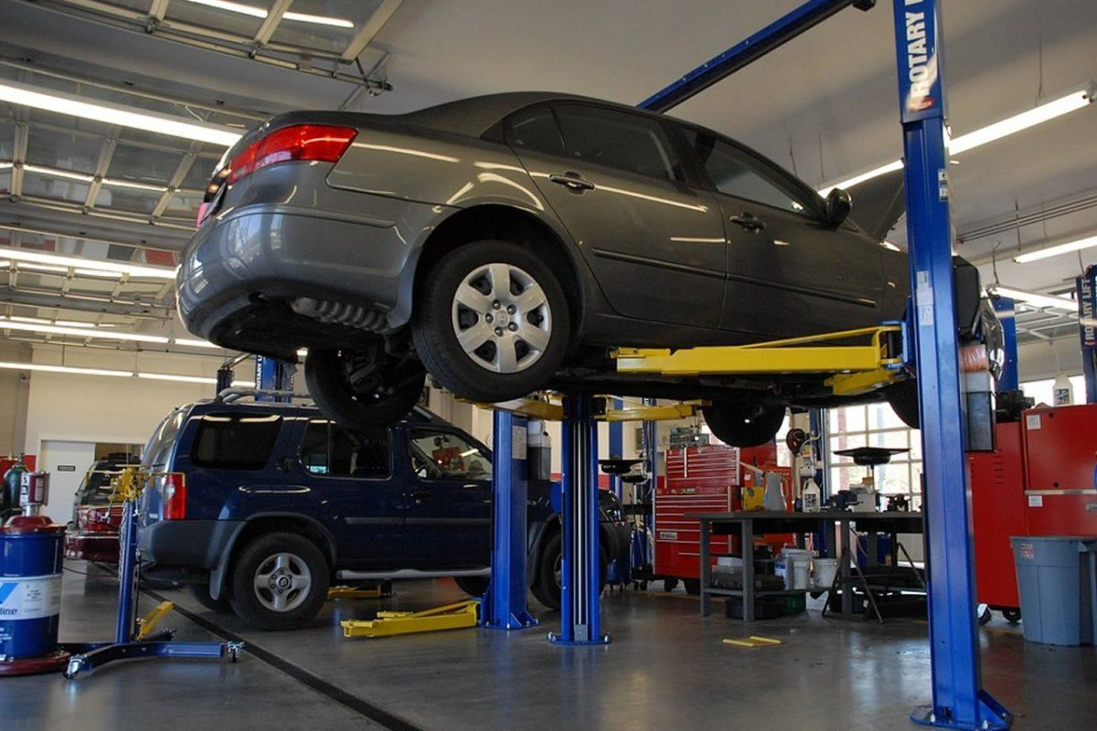 Why You Should Opt For Regular Car Services And Repairs Car Maintenance Car Auto Repair