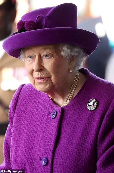 Queen visits veterans' charity ahead of Remembrance Day