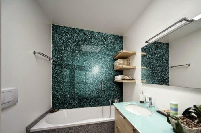 Bagni in resina parete vasca effetto marmo color verde smeraldo