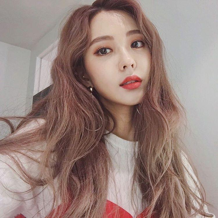 Winter Makeup, Korean Girl, Ulzzang Girl, On Instagram, Asian Beauty,  Selfie, Selfies
