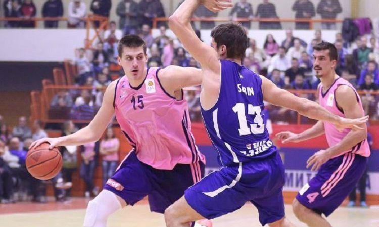 El pívot de 2.09 y 19 años que hizo 40 de valoración delante de Herreros. Mira sus numeros... - @KIAenZona #baloncesto #basket #basketbol #basquetbol #kiaenzona #equipo #deportes #pasion #competitividad #recuperacion #lucha #esfuerzo #sacrificio #honor #amigos #sentimiento #amor #pelota #cancha #publico #aficion #pasion #vida #estadisticas #basketfem #nba