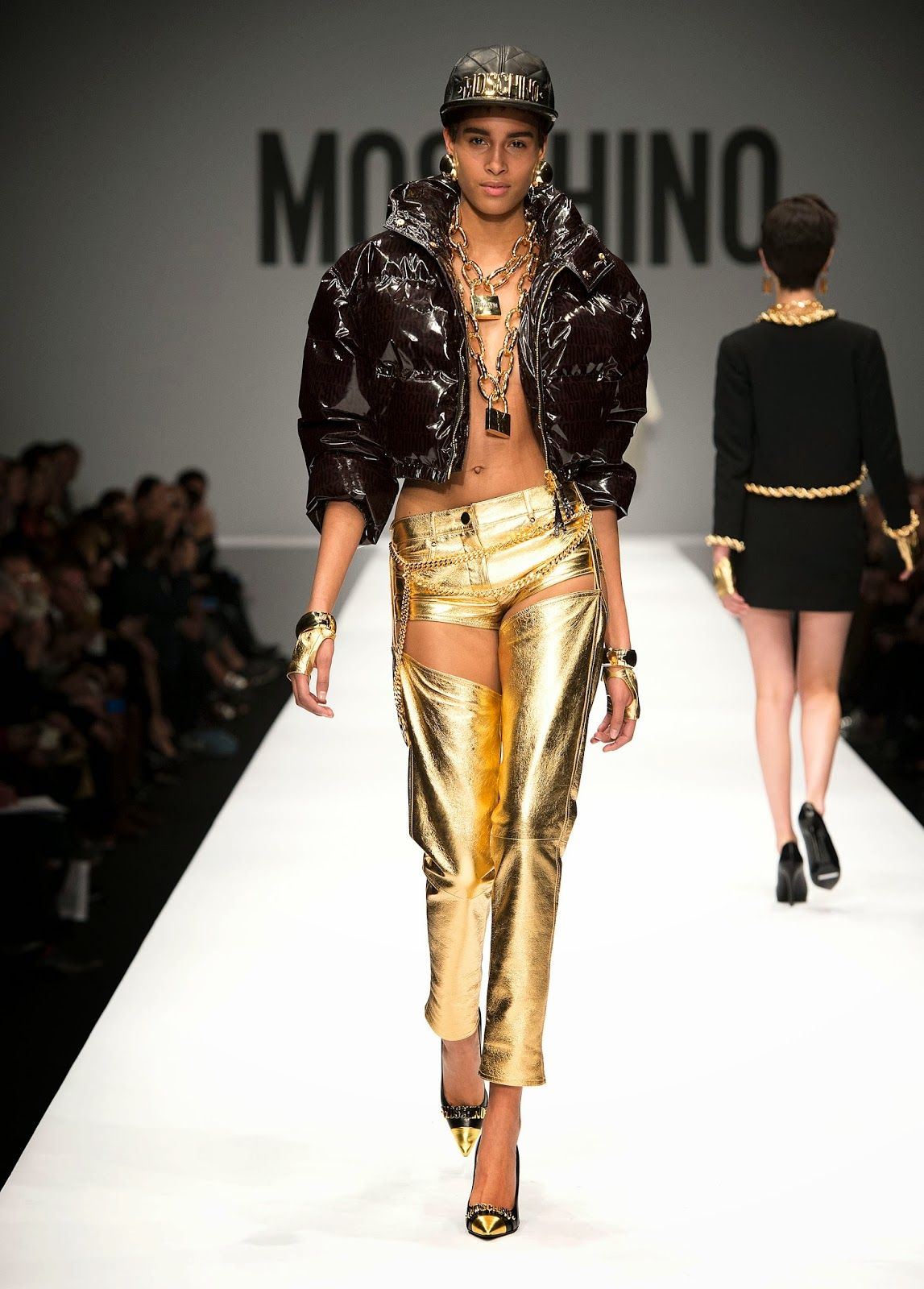 Moschino Fall Winter 2014-15 by Jeremy Scott - Travel and Fashion Tips by Anna P.