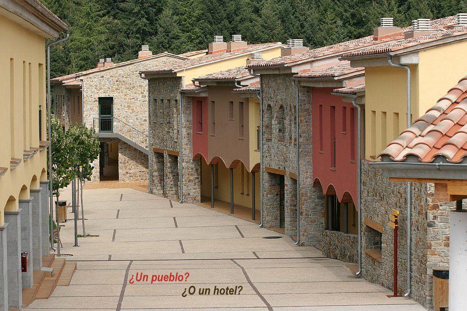 Viajar con ni os hoteles para ni os hotel vilars rurals catalu a escapada en familia vilar - Hoteles con piscina climatizada para ir con ninos en invierno ...